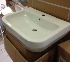 Britton Curve Wash hand S30 600 basin 30.1966