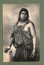 RISQUE NUDE ETHNIC old postcard Bédouine Morrocan woman #232